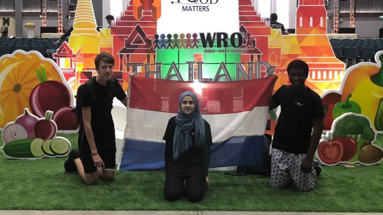 Het team WROem WROem in Thailand!